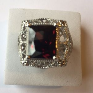 925(sterling silver) 5 CARAT RED GARNET Size 6